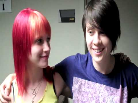 Tegan Quin And Hayley Williams Interview By Lindsey
