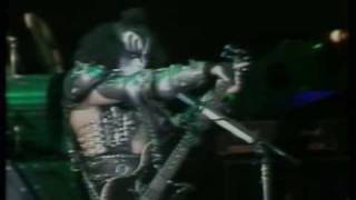 KISS - KISSOLOGY Vol. 2 - Disc 3 - Live At The Maracana Stadium 1983 - Creatures of the night