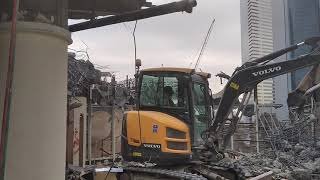 Al nasr demolition in Dubai , Shaik Zayed road .city tower 1.
