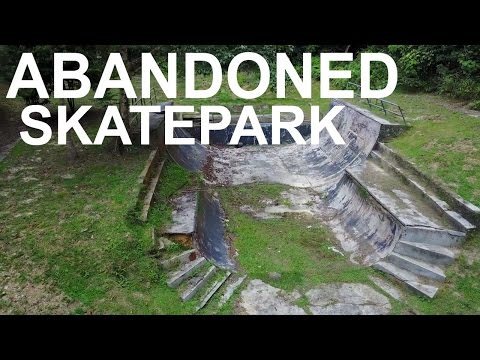 Hidden Skate Park In The Forest **ABANDONED**