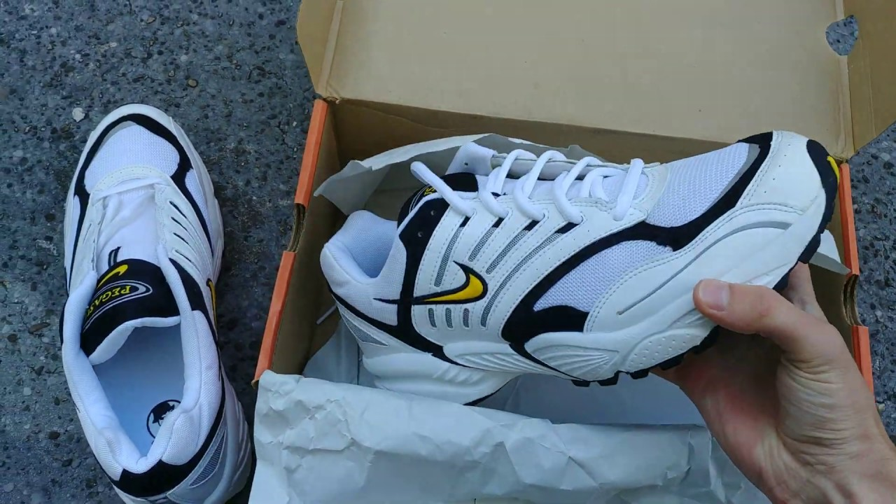 Unboxing Nike Air Pegasus 2002 Bowerman