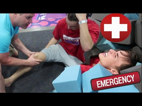 HORRIBLE INJURY/FAIL AT TRAMPOLINE PARK! *Hospitalized* Torn ACL