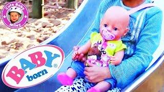 BabyBorn is playing at the Playground - Unsere Baby Born spielt auf dem Spielplatz