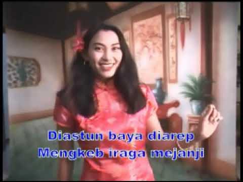 """Lagu Bali """" Ngindang Di Langit """"    Voc : Ayu Stiati (Alm)"""
