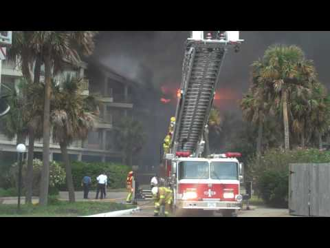 Fire destroys Galveston seawall condos