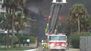Fire destroys Galveston seawall condos