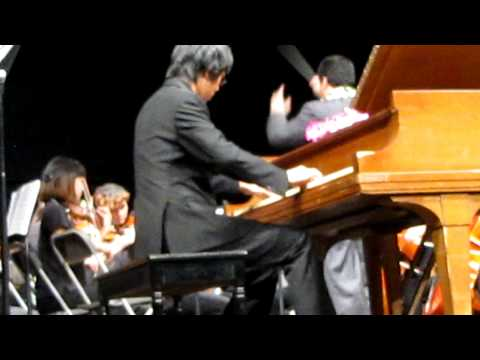 Mid Pacific Institute plays el Tango de Roxanne