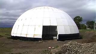 Незвичний будинок-купол добудовують на Коломийщині