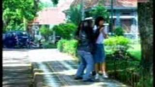 Download lagu ALFA BAND_SELINGKUH(From Album_Sungai Pagar)