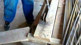 Гибка арматуры ручным приспособлением(Гибка арматуры., 2012-08-19T03:18:32.000Z)