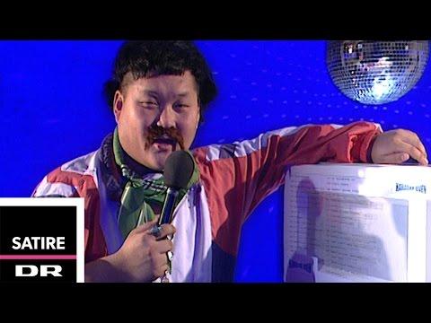 Karaoke Oven | Banjos Likørstue | DR Satire