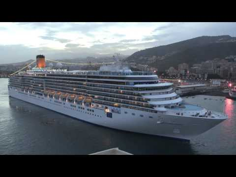 Costa Deliziosa and Queen Mary 2 horn and whistle exchanges