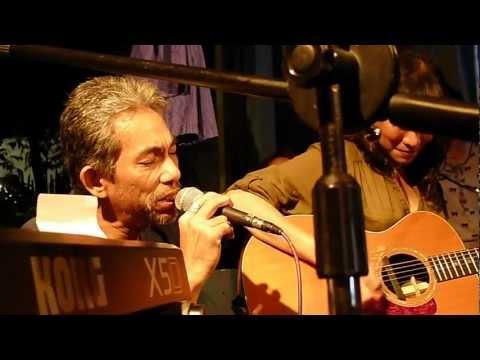 Cynthia Alexander & Joey Ayala - Dumaan Ako (Live)
