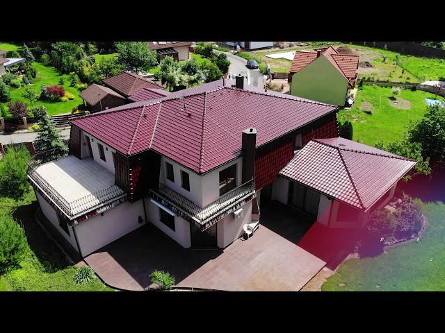 K prodeji dům 7+ 1 o užitné ploše přes 500 m2 na pozemku 2727 m2 v obci Řitka, Praha – západ.