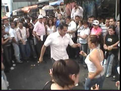 bailes callejeros en los mercados de la merced de la ciudad de mexico