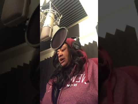 "A'mari ""Shoobies R Talkin'"" Live Studio Session"