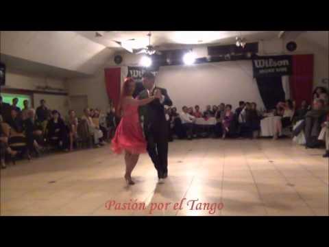 VERONICA ALVARENGA y EDUARDO ARIAS Bailando REZISTANCPOLKO en la Milonga del Club Arquitectura