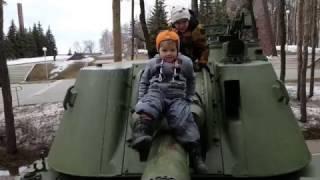 Смотр военной техники в парке Победы! Велобег! Открываем сезон! ДНЕВНИК САШКА!