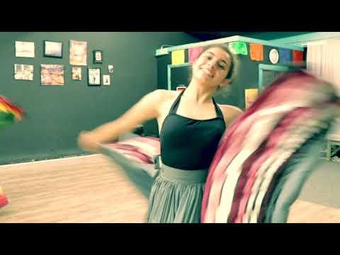 """Dancing """"El Polvorete"""" at the Studio - Ballet Folklorico de Los Angeles"""