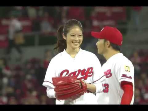 20171023 「福岡で1番かわいい20歳」今田美桜 がCS始球式