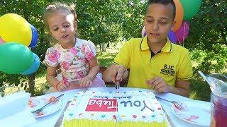 Открытие канала Sasha Show Праздничный торт You Tube и воздушные шарики Саша и Настя как ФИКСИКИ