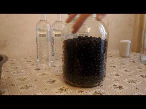 Настойка из черной смородины на водке. Простой рецепт