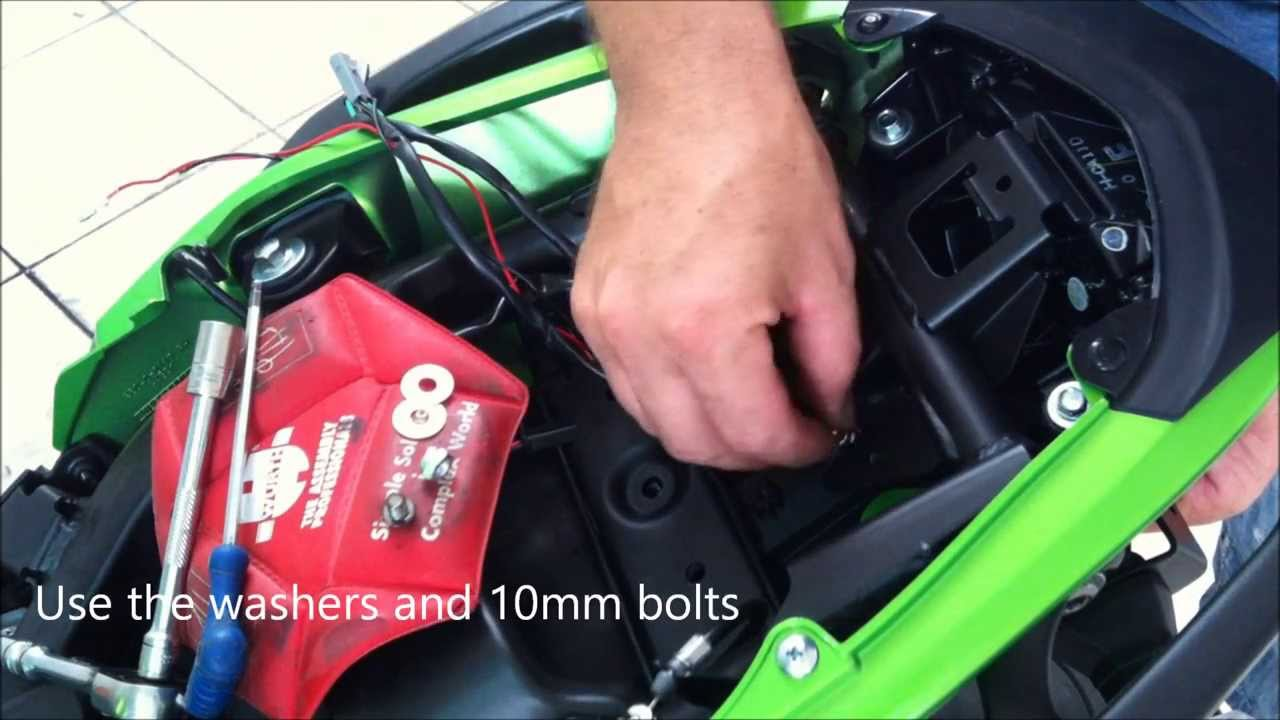 Fitting The Rg Tail Tidy To A 2013 Kawasaki Er6 N By Jesters Trick Er 6f Wiring Harness Bits Youtube