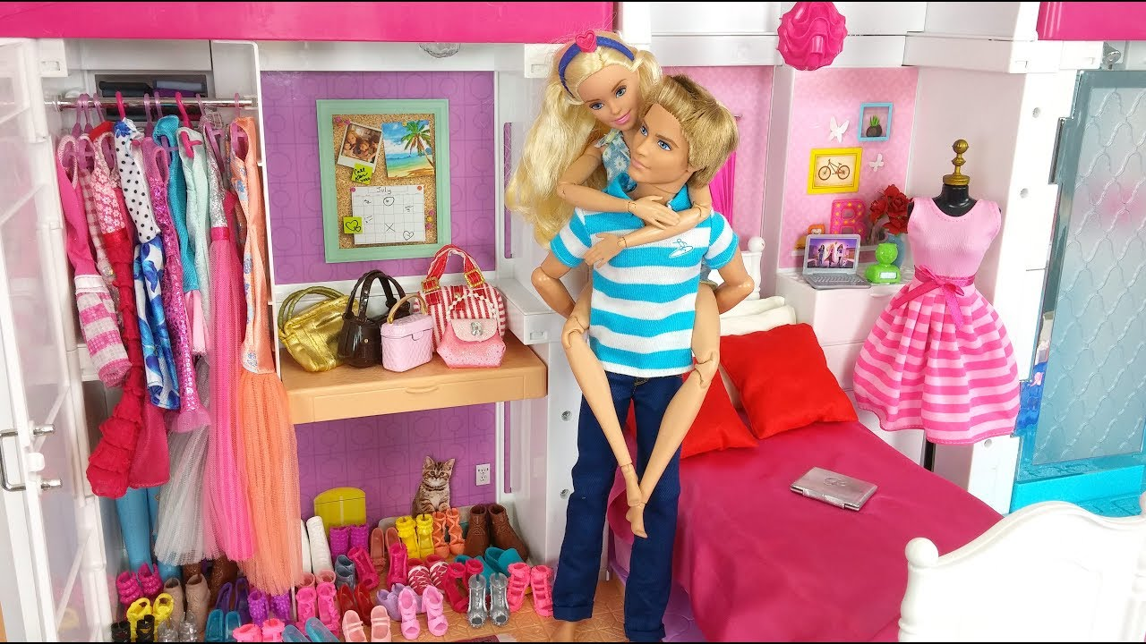 Barbie  Ken Evening Routine Barbie Pink Bedroom