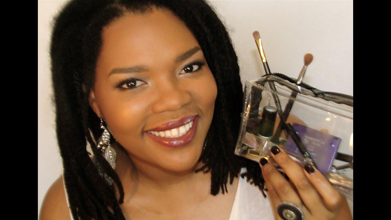 les indispensables d 39 une trousse de maquillage pour d butantes youtube. Black Bedroom Furniture Sets. Home Design Ideas