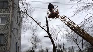 Опиловка деревьев с автовышки ГАЗ 3309 в Калуге(, 2015-04-21T07:21:45.000Z)