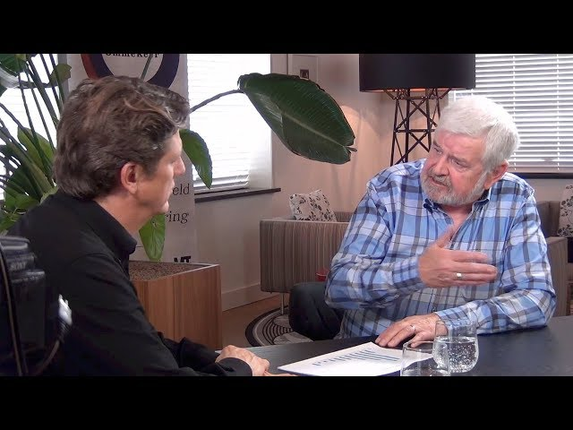 Hans Duijvestijn en Ad Verbrugge: 'Schoolbesturen laten miljarden op de plank liggen'