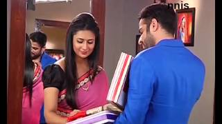 YEH HAI MOHABBATEIN 30th October 2015 EPISODE  |Raman Gifts Sarees To Ishita