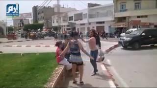 """3 فتيات يُثِرنَ الغضب بوصلة رقص ساخنة وسط أحد شوارع """"قليبية"""" التونسيّة «فيديو»   وطن"""