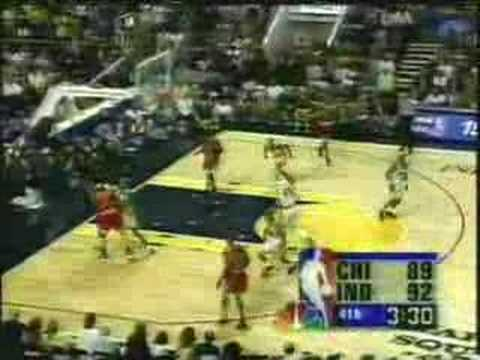 Chicago Bulls - Indiana Pacers | 1998 Playoffs | ECF Game 3: Reggie saves the day
