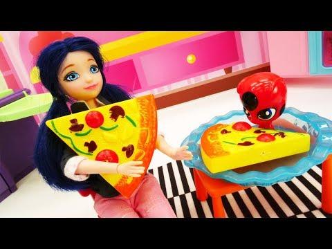 Маринетт и Квами Тикки готовят пиццу. Видео для девочек