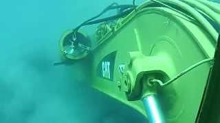 Escavadeira Hidráulica CAT submarino embaixo do MAR parte 1