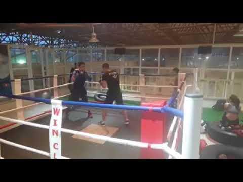 Light boxing sparring Hoàng Minh round 2