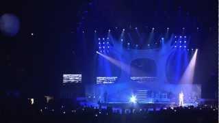 LAURA PAUSINI XMAS GIFT - TRA TE E IL MARE (INEDITO WORLD TOUR)