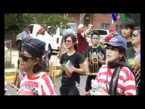 Reog Ponorogo Ramaikan Parade Kemerdekaan Amerika  Liputan Pop Culture VOA untuk Dahsyat  YouTube