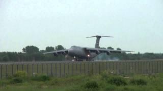 lądowanie c5 w Warszawie epwa 28.05.2011