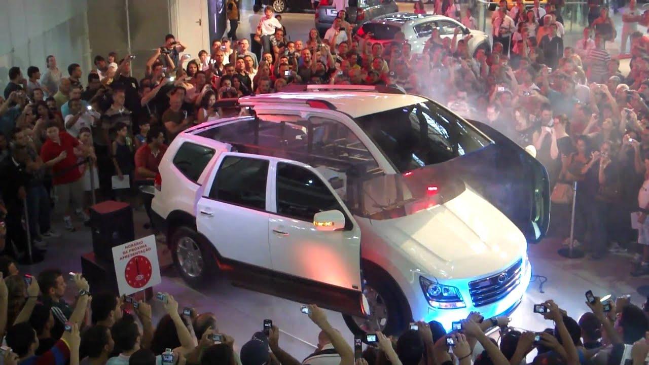 A And R Motors >> Salão do automóvel Kia motor Apresentação do carro robô ...