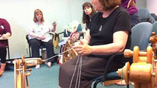 Repeat youtube video Judith Mackenzie demonstrating how to ply three-ply yarn