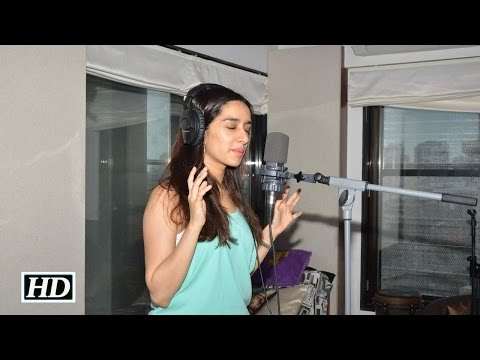 Shraddha Kapoor's Bezubaan Phir Se unplugged version