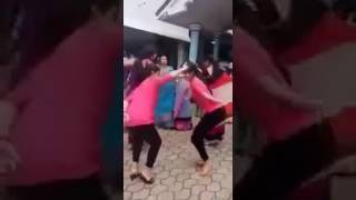लड़कियो का झमरु डांस ।