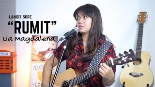 Rumit Langit Sore ( LIVE Cover BY Lia Magdalena )