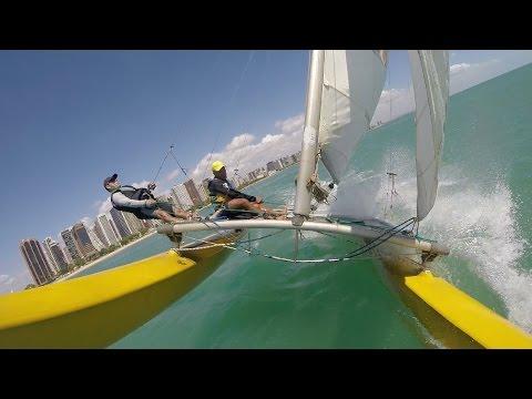 Aprendendo a velejar no hobie cat 16