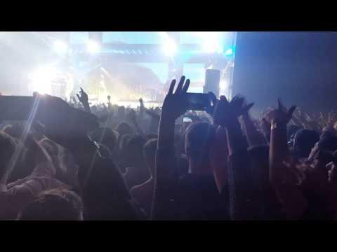Wiz Khalifa - California [LIVE IN HEINEKEN MUSIC HALL]