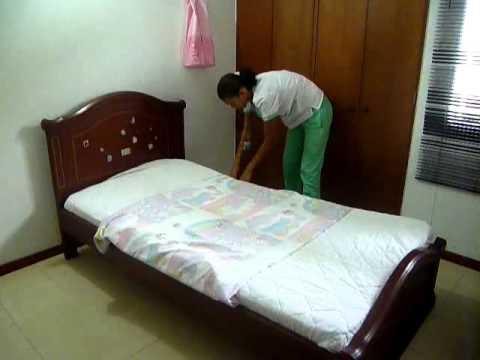 Tendido de cama cerrada youtube for Cama ocupada