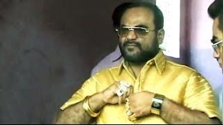 This politician has 4-kilo gold shirt. Cost? over a crore