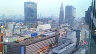 Потрясающие виды Токио из одного из самых красивых небоскрёбов Японии(Потрясающие виды Токио из одного из самых красивых небоскрёбов Японии Видео снято 20 июня 2016 года. Наш Twitter:..., 2016-06-20T16:43:03.000Z)